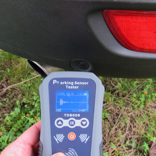 Parking Sensor Tester (TDB008) in use